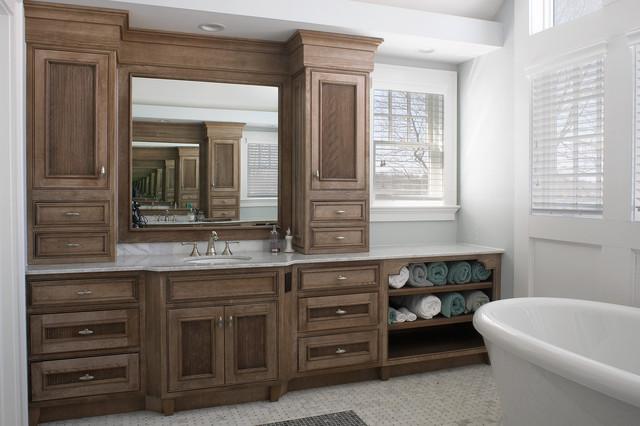 medallion cabinetry oakdale traditional bathroom new york by lakeville industries. Black Bedroom Furniture Sets. Home Design Ideas