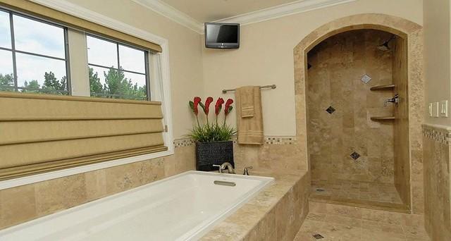 Mediterranean style house for Mediterranean style bathroom