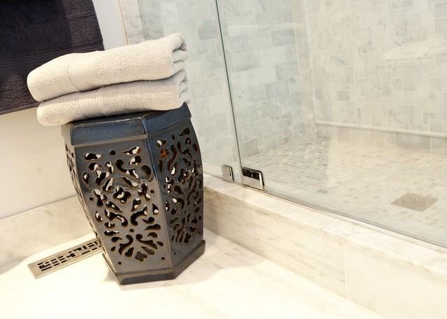 Mellowood Ensuite modern-bathroom