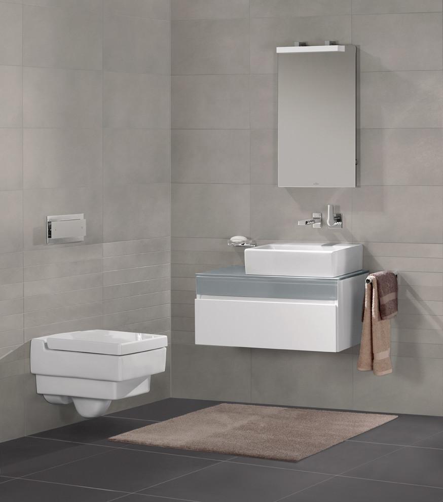 Bathroom photo in London