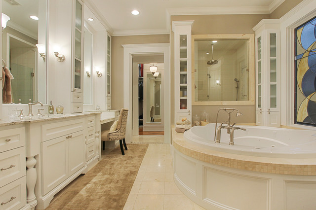 Memorial Hamptons Style Traditional Bathroom Houston