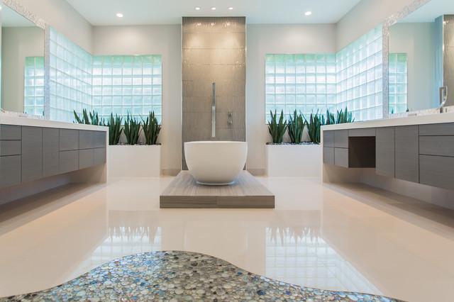Memorial modern master bath remodel houston tx 2015 for Bathroom designs houston