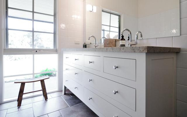 merricks hampton style face framed traditional bathroom melbourne by steding interiors. Black Bedroom Furniture Sets. Home Design Ideas