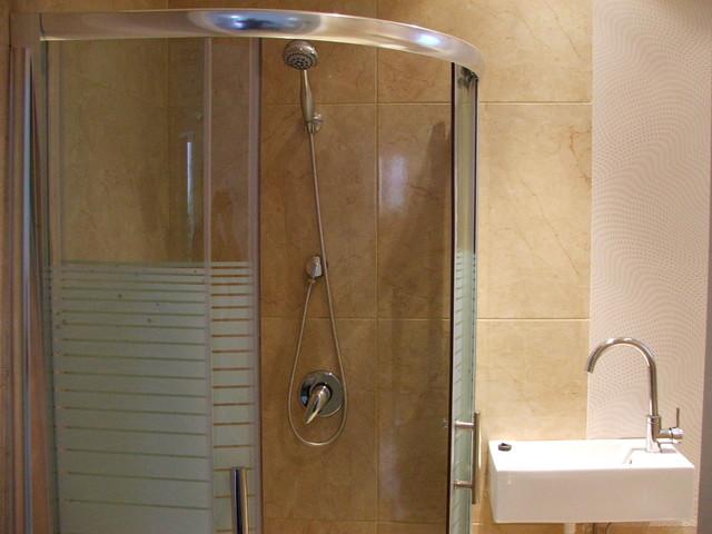 mesilat yesharim jerusalem modern-bathroom