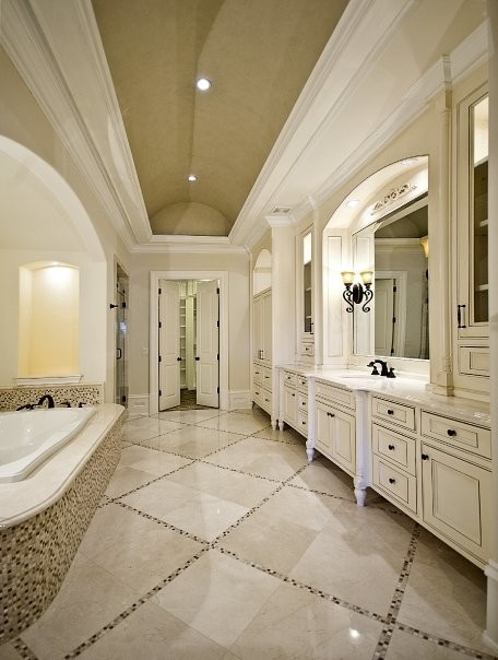 Michael molthan luxury homes interior design group for Beautiful houses interior bathrooms