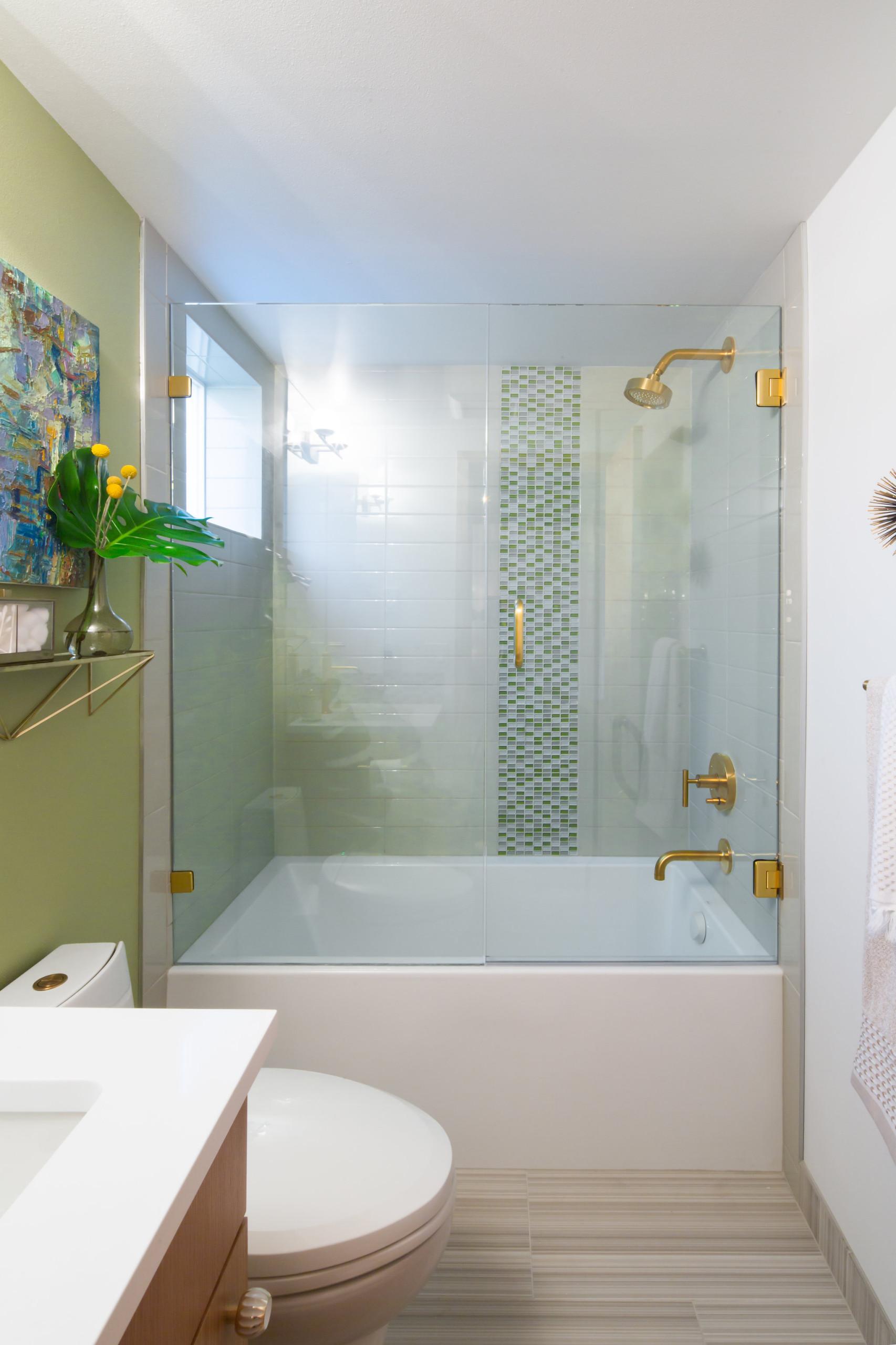 75 Beautiful Glass Tile Bathroom Pictures Ideas April 2021 Houzz