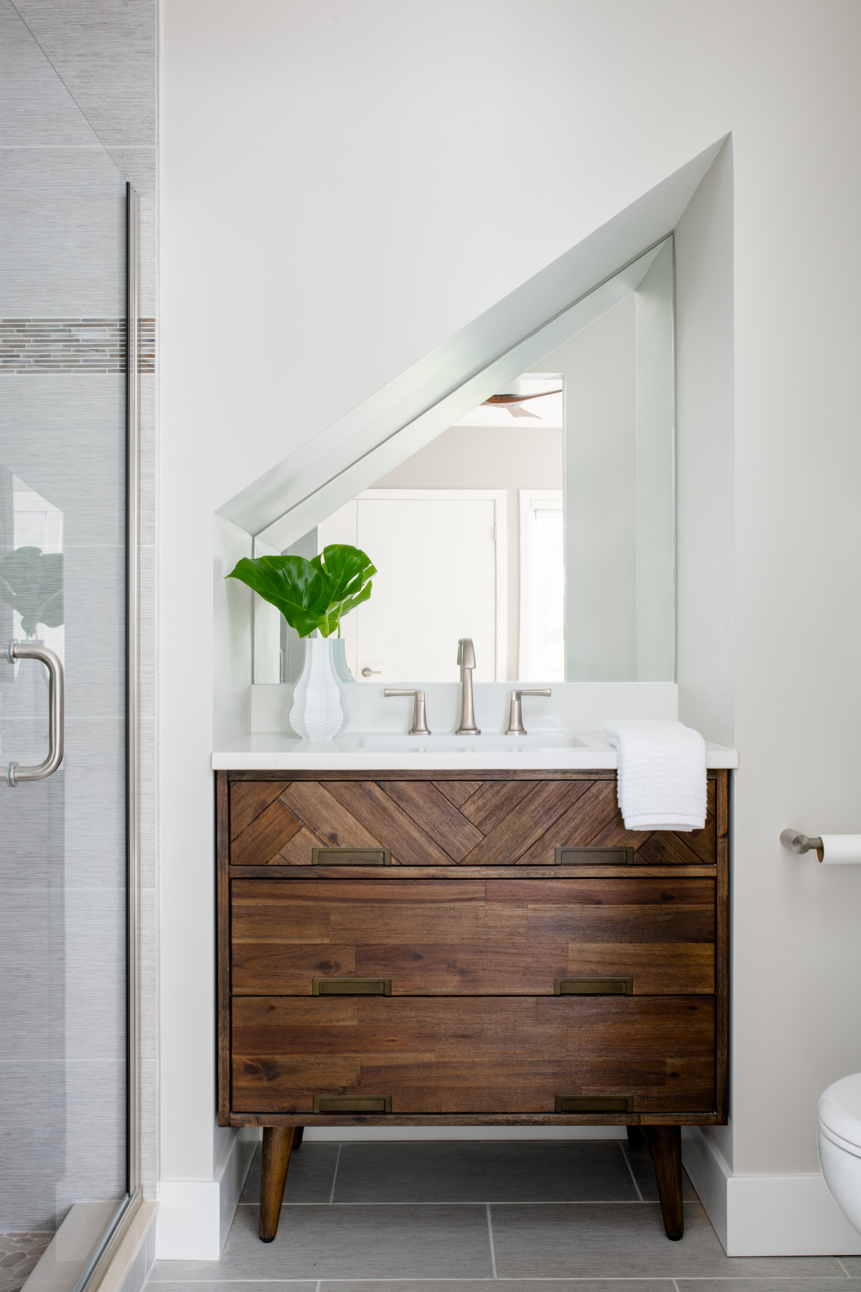 Mid-Century Modern Condo Bath