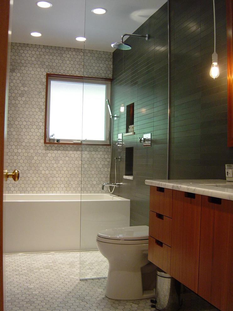 1960s bathroom photo in Portland