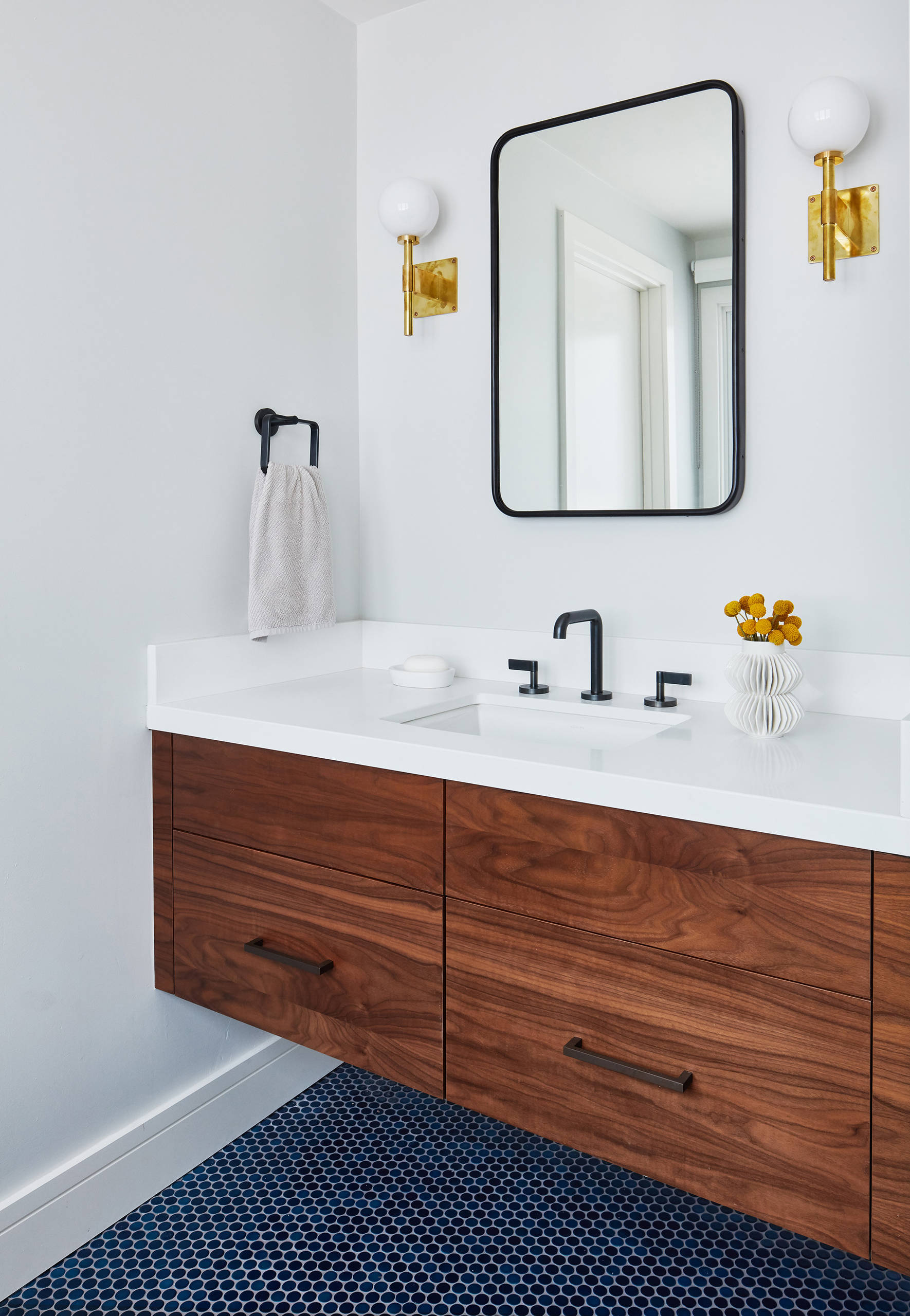 Image of: 75 Beautiful Mid Century Modern White Bathroom Pictures Ideas November 2020 Houzz