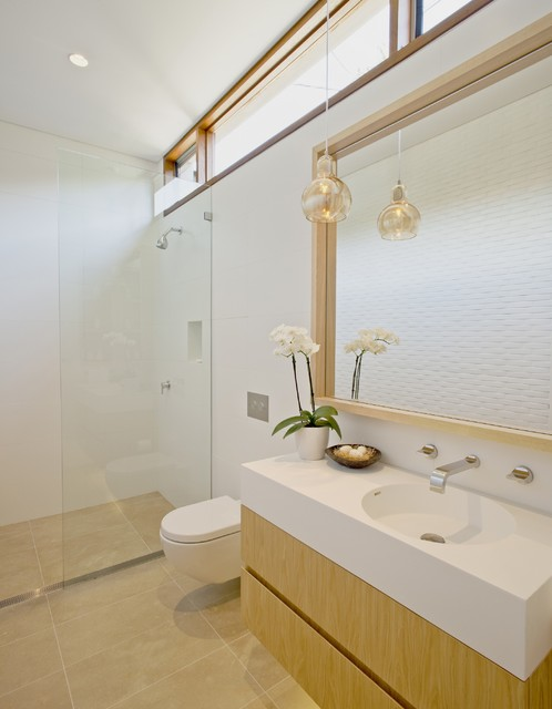 Middle harbour house contemporary bathroom sydney for Bathroom in middle of house