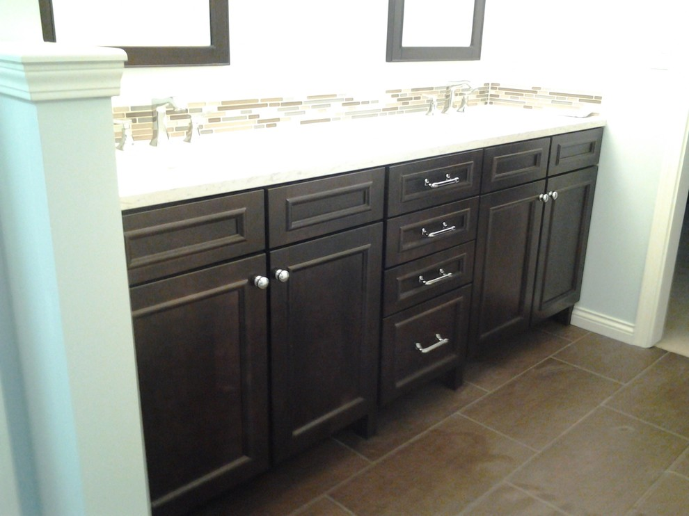 Inspiration for a timeless bathroom remodel in Indianapolis