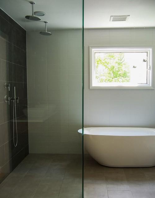 minimal modern spa bathroom minimalistisch badezimmer grand rapids von storybook interiors. Black Bedroom Furniture Sets. Home Design Ideas