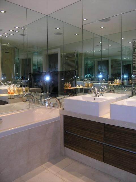 Mirrored Bathroom Contemporary Bathroom London By Robert Samuel Bespoke Interiors Houzz Uk