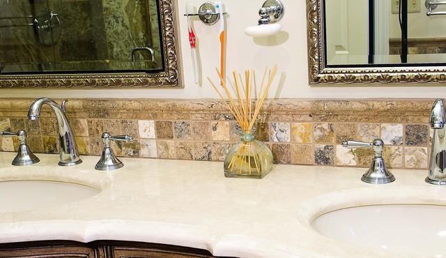 Mocha Onyx Bathroom traditional-bathroom