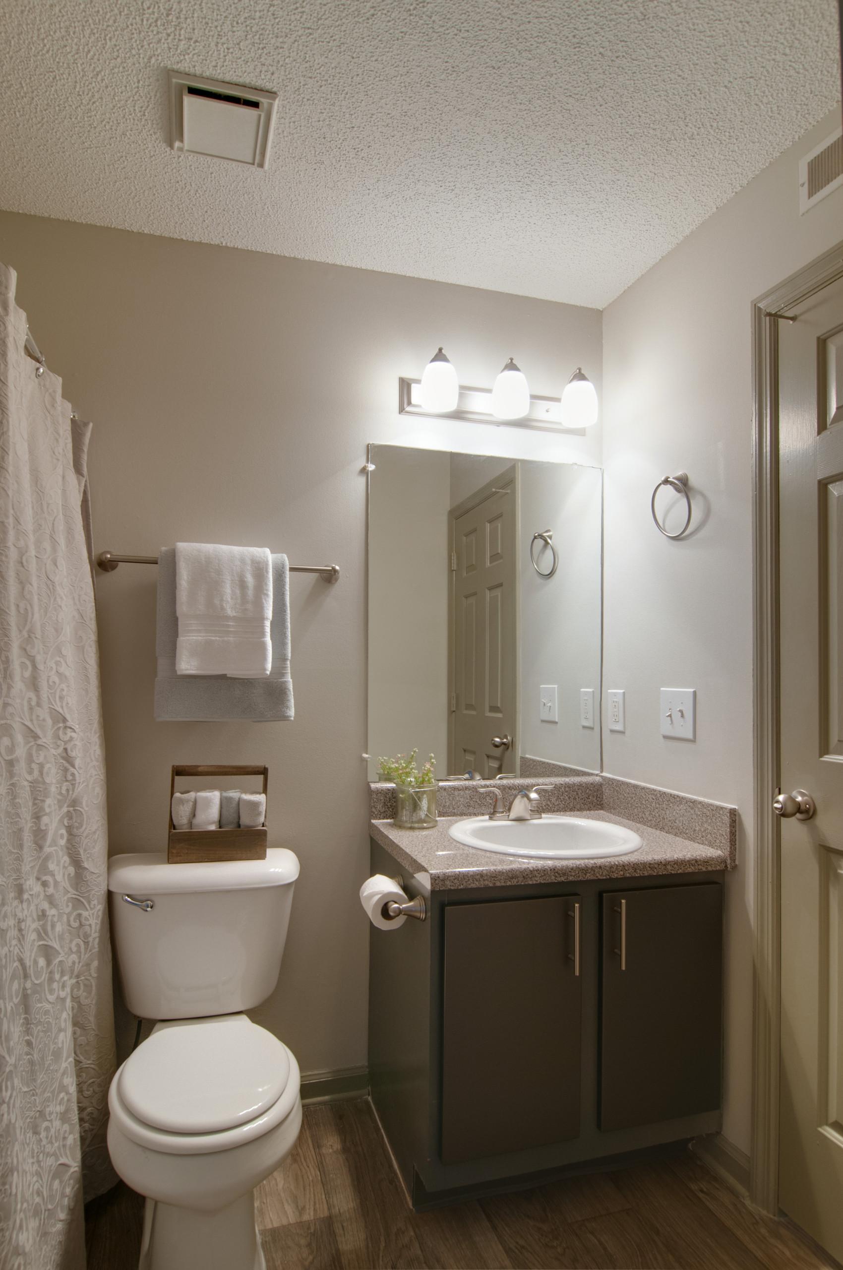 Model- Bathroom