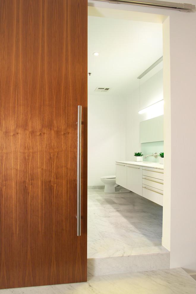 Bathroom - modern bathroom idea in Toronto