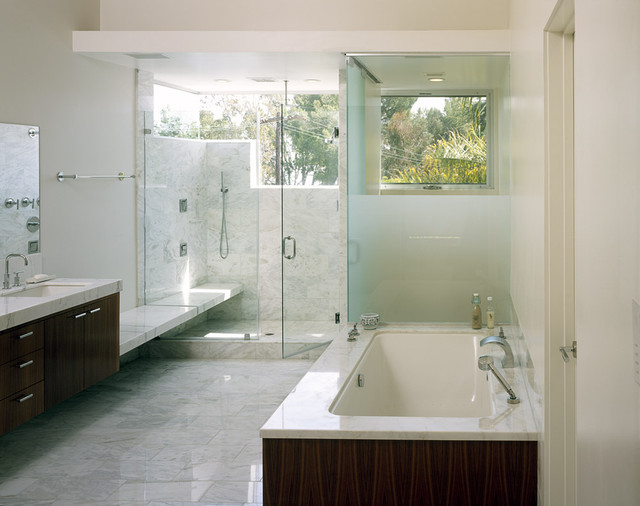 Kelly Residence modern bathroom