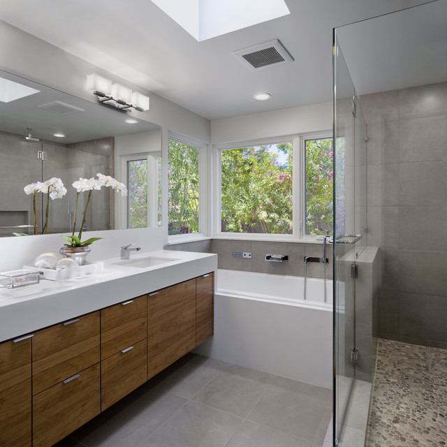 sharon residence modern bathroom