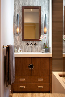 8 Vanity flair fashions for a chic bathroom | Fox News