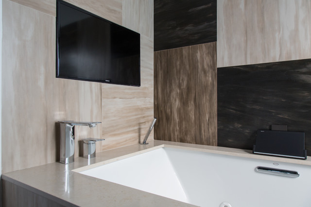 Modern Bathroom Woodland Hills