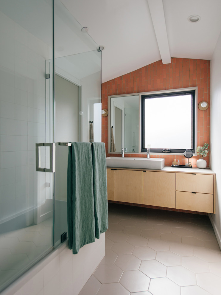 How to Maximize Built-In Storage in a Small Bathroom