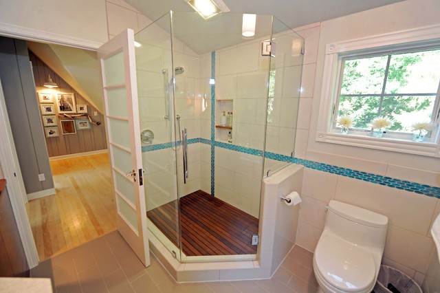 Modern cottage bathroom transitional bathroom milwaukee for Bathroom design 8x8