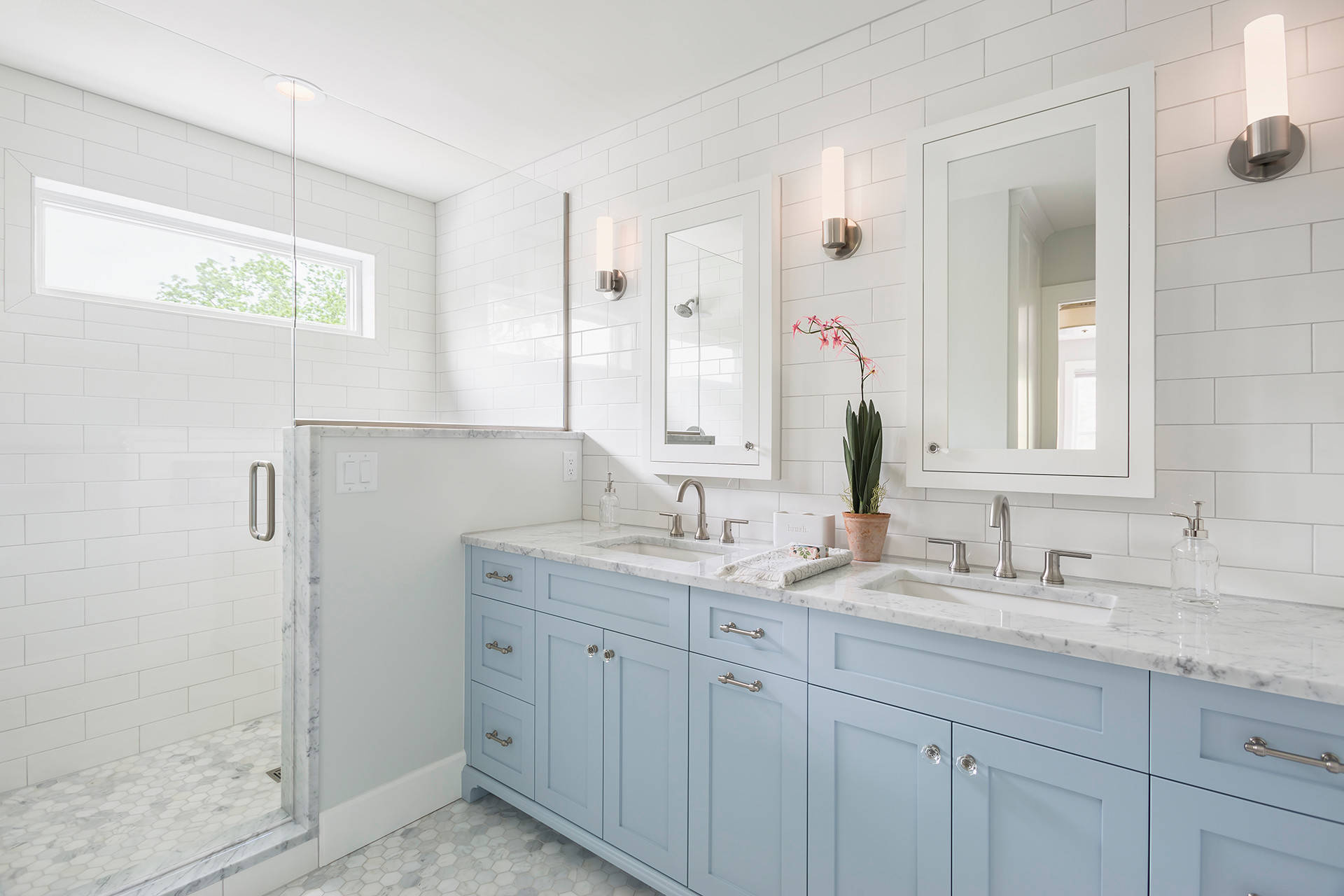 75 Beautiful Bathroom With Blue Cabinets Pictures Ideas February 2021 Houzz