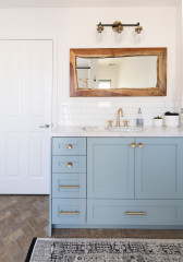 Room Tour: Fresh Colour and Clean Lines Update a 1980s Bathroom