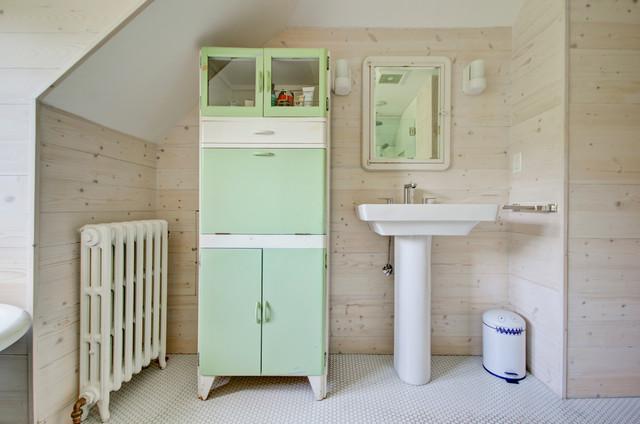 Modern farmhouse campagne salle de bain portland for Fabriquer une colonne de salle de bain
