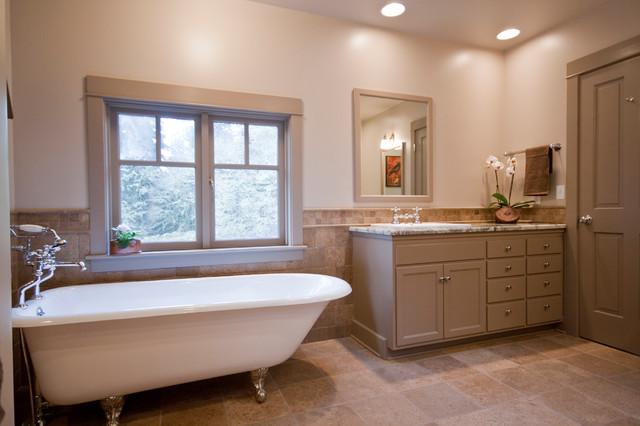 Modern Farmhouse farmhouse-bathroom