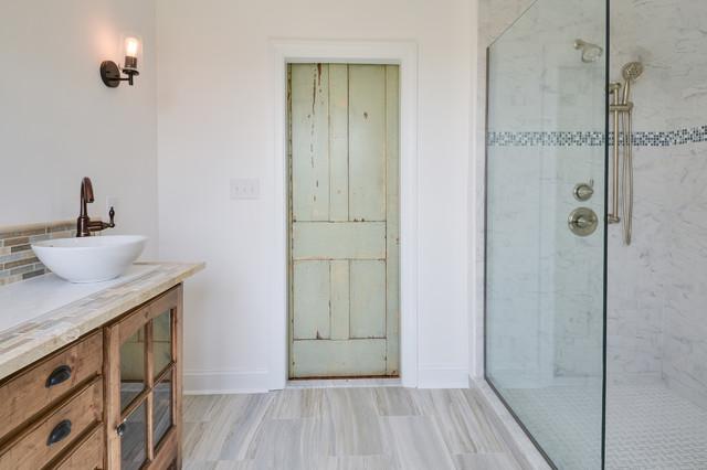 Modern farmhouse master bath for Master bathroom farmhouse