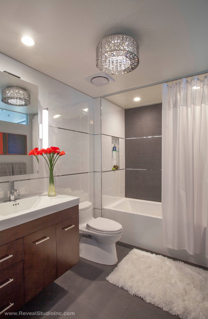 Modern glam downtown condo guest bath san diego ca for Interior design 92101