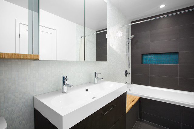 Modern green renovation vancouver contemporary for Bathroom design vancouver
