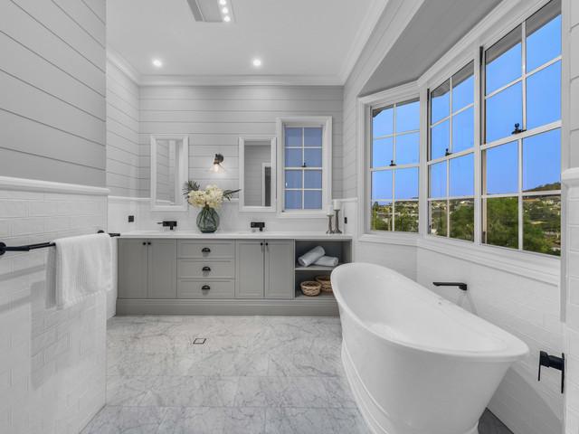 Modern Hamptons Style Beach Style Bathroom Brisbane