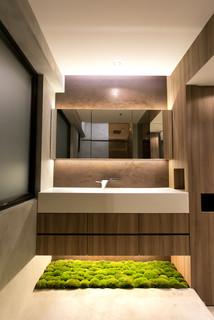 Modern Industrial Bathroom - Modern - Bathroom - Hong Kong - by Liquid Interiors Limited