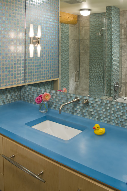 Contemporary Bathroom by Grace Home Design, Inc.