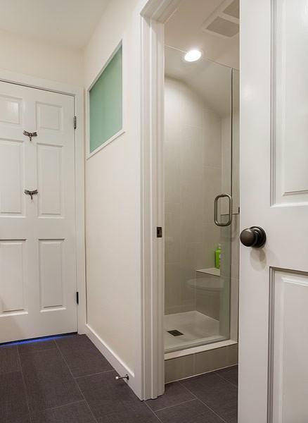 Modern Kids Bathroom