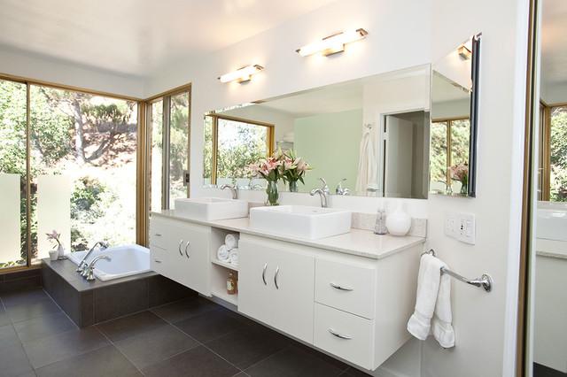 Modern luxury spa tub bathroom remodel modern bathroom for Bath remodel los angeles