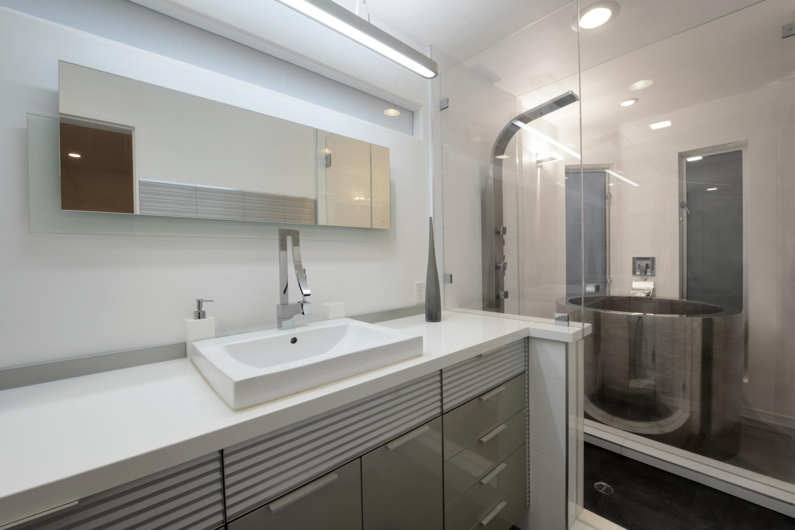 Modern Master Bath in Mission Bay