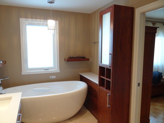 Modern master bathroom contemporary bathroom for Bathroom design montreal