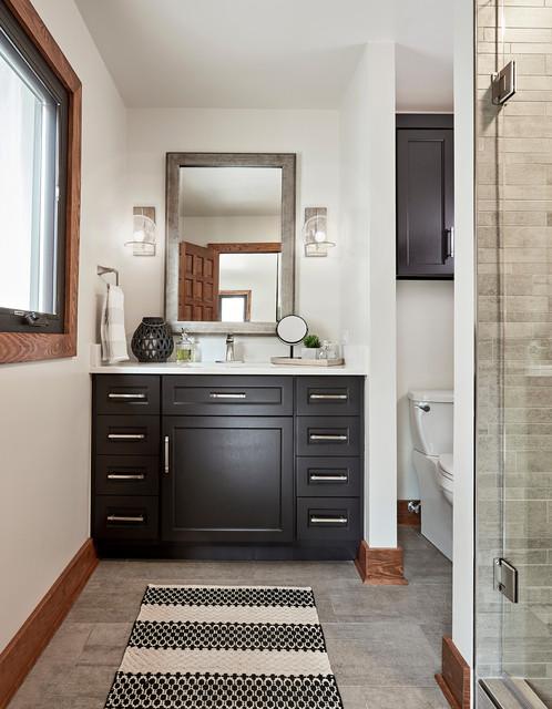 Modern Mountain Home - Rustikal - Badezimmer - Richmond ...