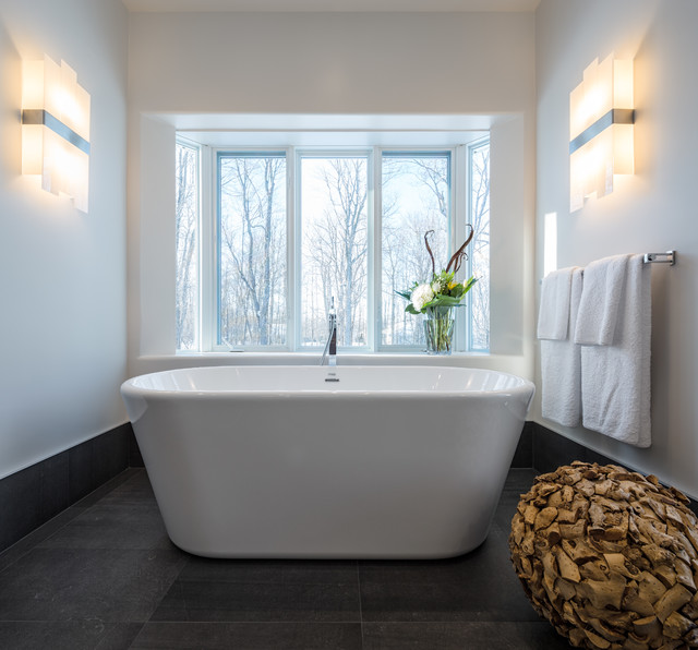 Modern nature master bath astro design centre ottawa for Bathroom design ottawa