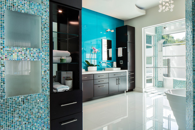 Modern reno with sophisticated style contemporary for Small bathroom goals