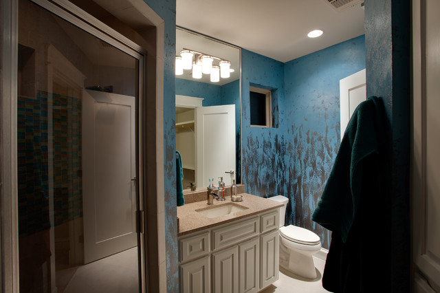 Modern santa fe style eclectic bathroom other metro for Santa fe style bathroom ideas