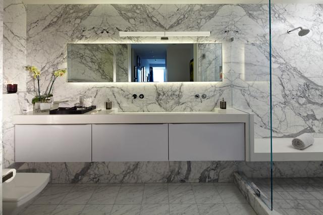 Modern Showbiz by SB LA contemporary-bathroom