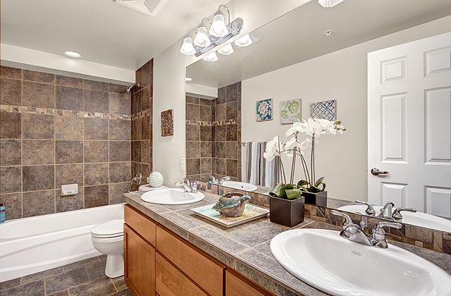 Modern Townhouse on Capitol Hill, Seattle contemporary-bathroom