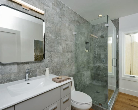 Oak cabinets bath design ideas pictures remodel decor for Bathroom ideas with oak cabinets