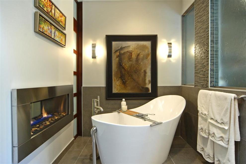 Minimalist freestanding bathtub photo in Calgary