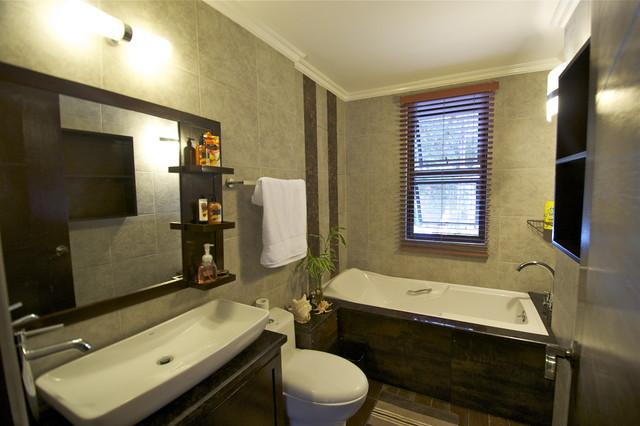 Modern tropical bathroom tropical-bathroom