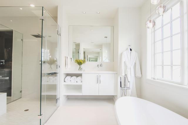 Modern White Spa Bath Contemporary Bathroom